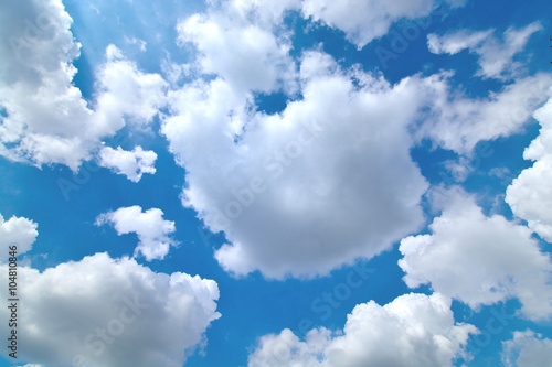 The cloud is big , move on the sky - 104810846