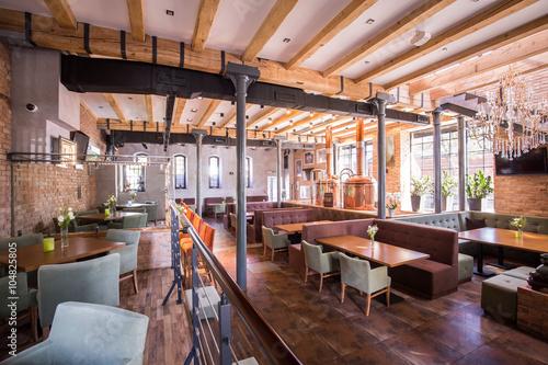 Foto op Plexiglas Restaurant Spacious modern restaurant