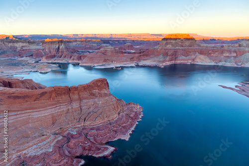 Photo  top view of lake Powell and Glen Canyon in Arizona