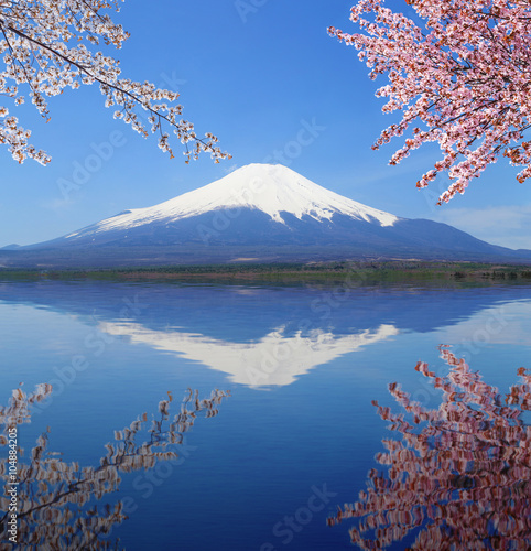 Papiers peints Reflexion Mt.Fuji with water reflection at Lake Yamanaka, Japan