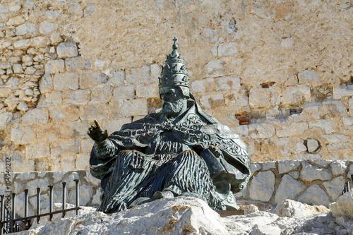 Monument to Papa Luna, outside of Peniscola Castle