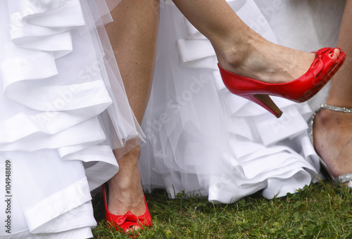 Sposa Con Scarpe Rosse.Sposa Con Scarpe Rosse Buy This Stock Photo And Explore Similar