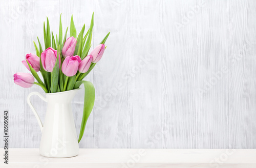 Photo  Fresh pink tulip flowers bouquet