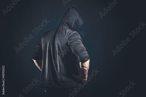 Fotografía  Muscular male bodybuilder posing