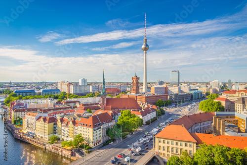 Fotobehang Berlijn Berlin skyline with Spree river at sunset, Germany