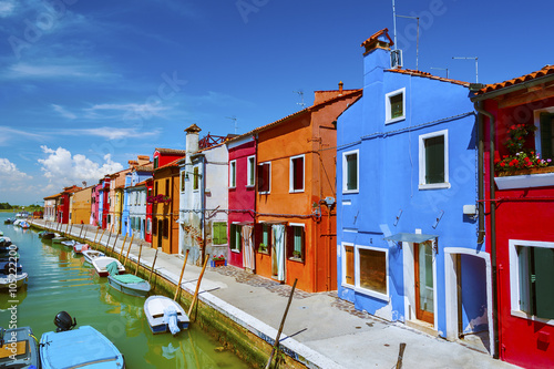 Keuken foto achterwand Buenos Aires Colorful residential house and lagoon in Burano island, Venice, Italy.