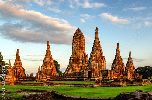 Photo Ayutthaya (Thailand) Wat Chaiwatthanaram temple (old ruins)
