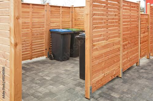 Sehr Ein neuer Verschlag aus Holz für die Mülleimer – kaufen Sie dieses YI31