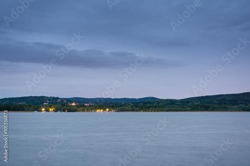 Fotografering  Blick von Arona nach Angera, Lago Maggiore in Norditalien