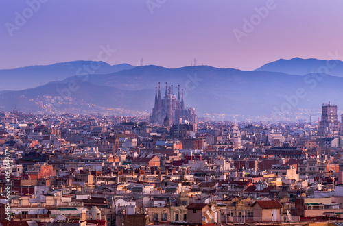 Keuken foto achterwand Barcelona Sagrada Familia in Barcelona at sunrise