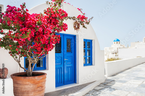 Staande foto Athene White architecture on Santorini island, Greece.