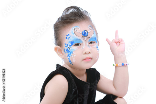 Photo  Asian little girl with painted face