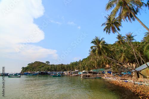 Foto auf Gartenposter Stadt am Wasser Bai Men (Men Beach), Nam Du islands, Kien Giang province, Vietnam