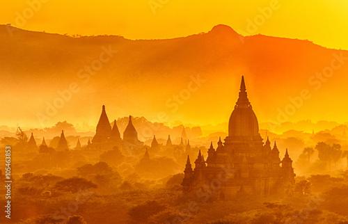 Fotografia  Sunset over Bagan