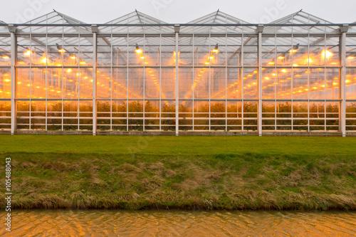Fotografía Exterior of commercial glasshouse