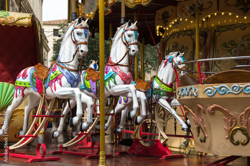 Papiers peints Attraction parc Carousel in Avignon