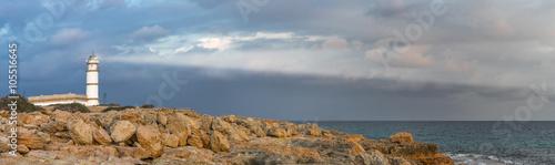 Foto op Aluminium Vuurtoren lighthouse on the coast