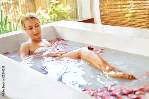 Sexy blonde bath — 15