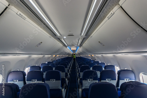 Poster Avion à Moteur Interior passenger airliner cabin