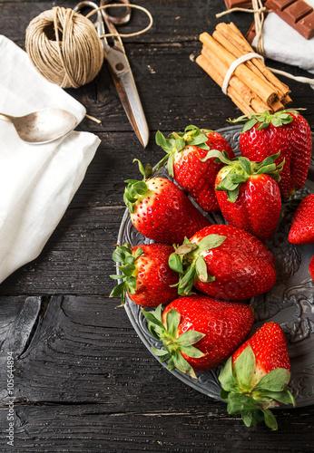 Keuken foto achterwand Vruchten Delicious strawberry dessert with chocolate