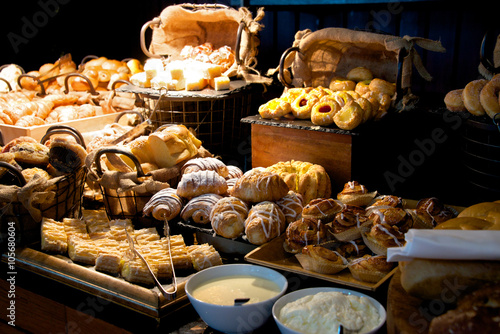 Foto op Canvas Bakkerij Sweet Bread Display