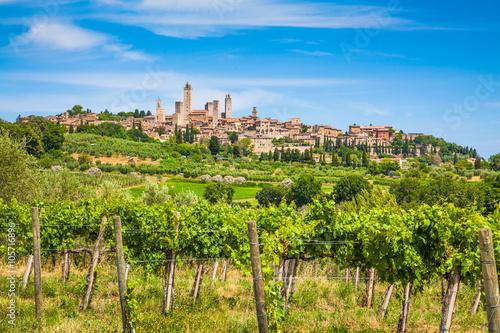 Obraz Średniowieczne miasto San Gimignano, Toskania, Włochy - fototapety do salonu