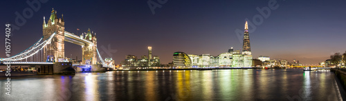 Fotobehang Londen Panorama von der Tower Bridge bis zum Shard in London