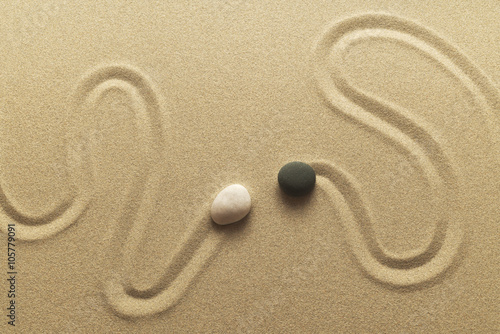 Photo  Zen Begegnung als Bild aus Sand Kieselsteinen und Spur