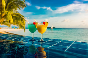 FototapetaCocktail near the swimming pool