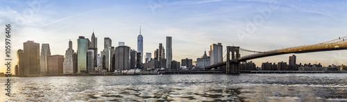 Obraz na płótnie Manhattan W centrum miastowy widok z mostem brooklyńskim