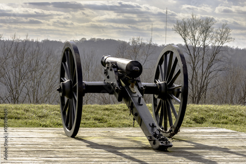 Fotografie, Obraz  Cannon overlooking the Kentucky River