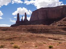 Three Sisters, Monument Valley, Utah