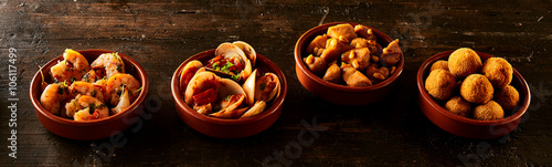 Foto Row of Spanish Appetizers