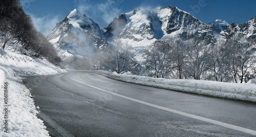 Zimowa droga przez Alpy Szwajcarskie