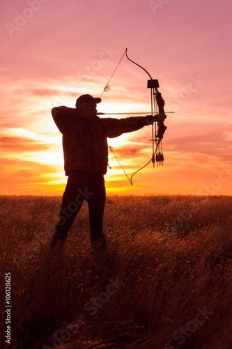 Fotobehang Jacht Bowhunter at Sunset