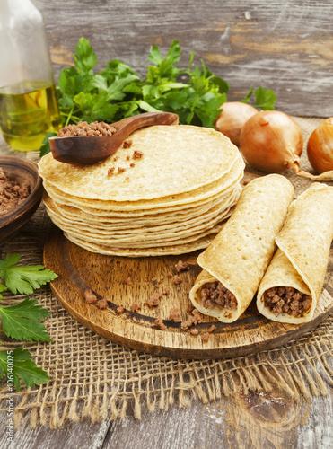 Fotobehang Zuivelproducten Pancakes with meat