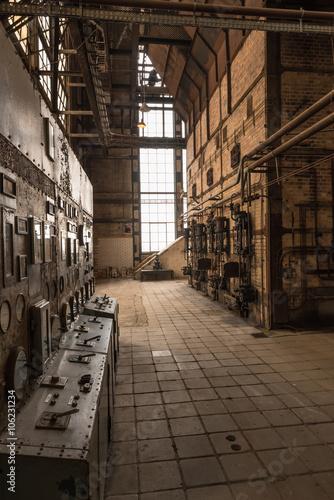 Fotobehang Industrial geb. Kraftwerk von innen