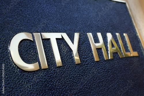 Carta da parati City Hall sign close up