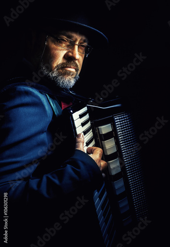 Vászonkép  Accordion Player Portrait
