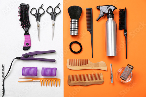 Poster Kranten Barber set with tools and equipment on bright paper background