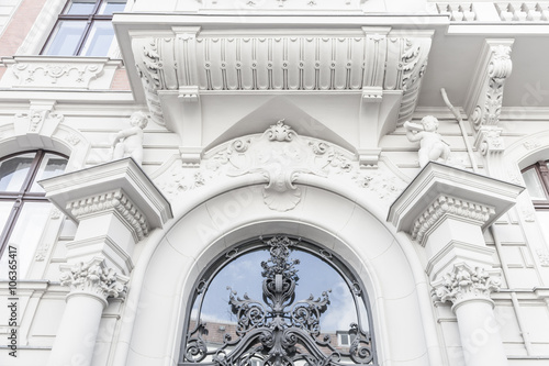 Fotografie, Obraz  noble Hausfassade, Stuck