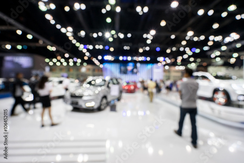 Obraz blur photo of motor show, car show room - fototapety do salonu