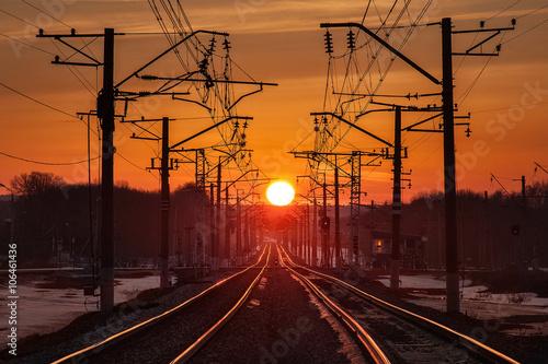 Fototapeta tory o zachodzie słońca