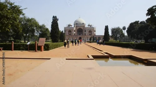 Obraz na plátně  Locked-on shot of tourists at Humayun's Tomb, Nizamuddin East, Delhi, India