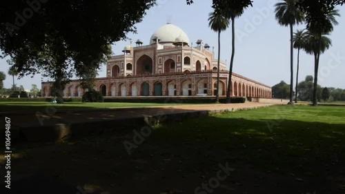 Obraz na plátně  Locked-on shot of the Humayun's Tomb, Nizamuddin East, Delhi, India