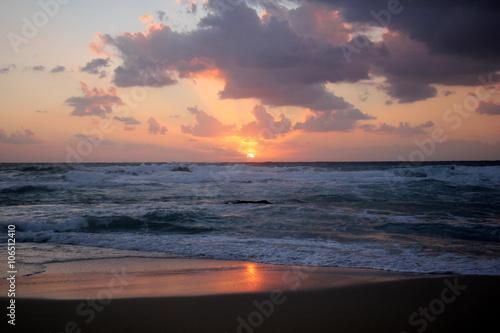 Foto op Aluminium Zee zonsondergang закат на Средиземном море