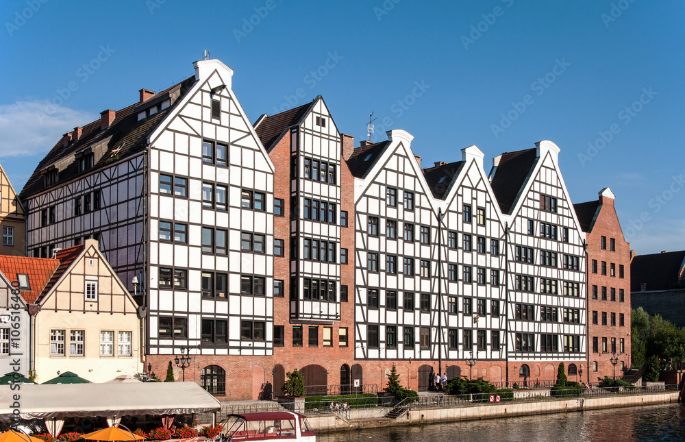 Fototapety, obrazy: Old historic granaries on the Granary Island in Gdansk, Poland