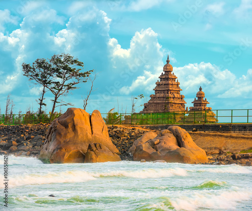 Fényképezés  beautiful landscape of monolithic famous Shore Temple near Mahab