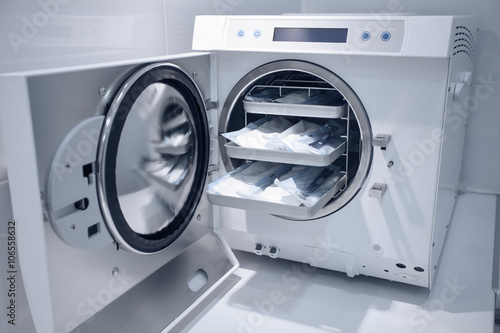 Fotografía  machine for sterilizing medical equipment