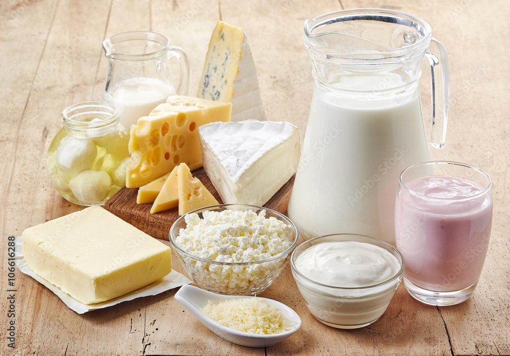 Fototapety, obrazy: Various fresh dairy products